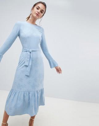 Asos Design DESIGN jacquard pephem maxi dress with belt-Blue