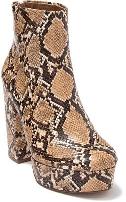 Steve Madden Gusty Block Heel Boot