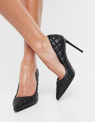Steve Madden Vala heeled pointed court shoe in black quilt