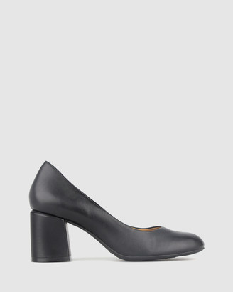 Airflex Waiver Leather Block Heel Pump