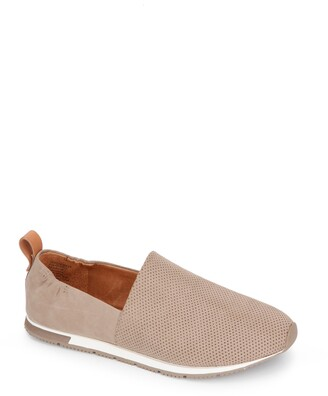 Gentle Souls by Kenneth Cole Luca Flat