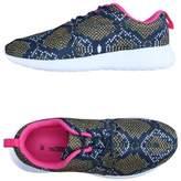 ESSENTIEL ANTWERP Low-tops & sneakers