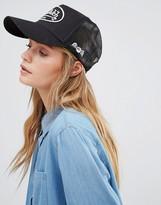 Von Dutch Cap in Black with Mesh