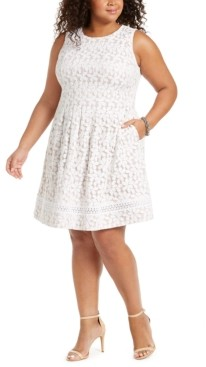 Jessica Howard Plus Size Lace Fit & Flare Dress
