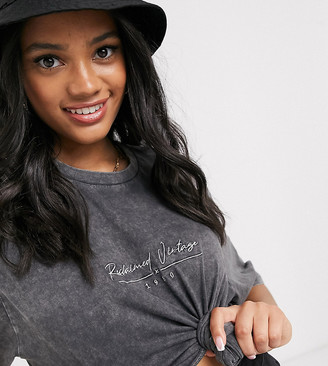 Reclaimed Vintage inspired oversized boxy t-shirt with logo in washed charcoal