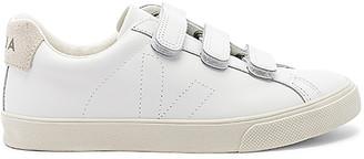 Veja 3-Lock Sneaker