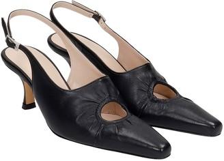 Kalda Peki Pumps In Black Leather