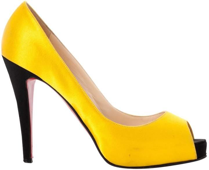 best website ea15c 8e84c Yellow Cloth Heels