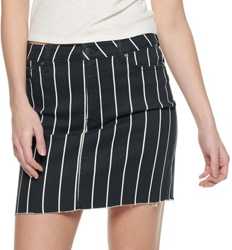 Tinseltown Juniors' Raw Hem Striped Skirt