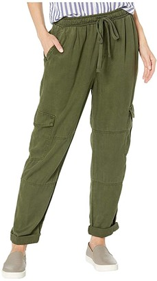 Bella Dahl High-Waisted Cargo Pants in Crosshatch Tencera (Woodland Olive) Women's Casual Pants