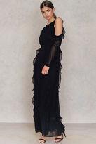 Glamorous Ruffle Cold Shoulder Dress