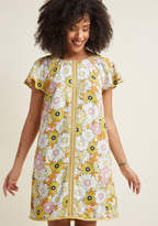 Whimsical Wildflowers Shift Dress in Daisy in 4X - Short Sleeve Knee Length by ModCloth