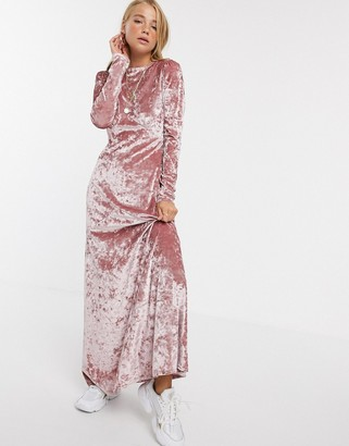 Asos Design DESIGN long sleeve high neck velvet maxi dress-Pink