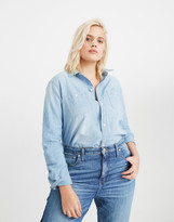 Madewell Chambray Classic Ex-Boyfriend Shirt in Evie Wash