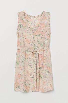 H&M MAMA Sleeveless Blouse