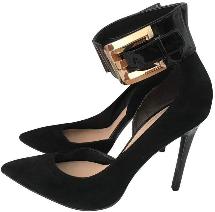 guess black heels