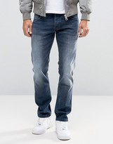 Wrangler Low Rise Slim Leg Jean In Fuzzy Duck Wash