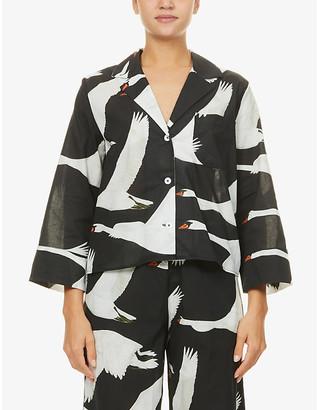 Desmond & Dempsey Leda swan-print organic-cotton pyjama top