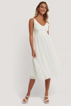 Trendyol Pearl Detailed Midi Dress