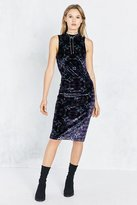 Ecote Zodiac Velvet Mock-Neck Midi Dress