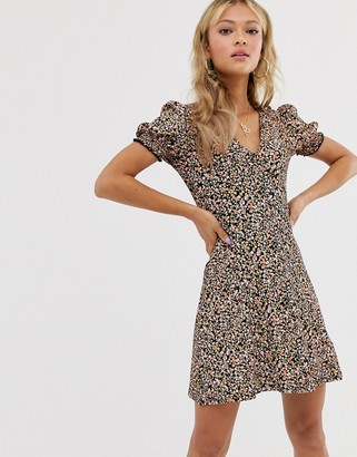 Miss Selfridge tea dress with shirred sleeves in ditsy floral-Pink