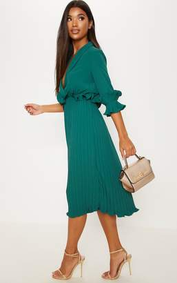 PrettyLittleThing Black Frill Detail Pleated Midi Dress