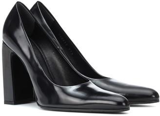 Balenciaga Leather pumps
