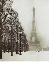 Poster Revolution Paris In The Snow (Eiffel Tower) Art Poster Print - 16x20