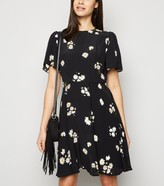 New Look Floral Flutter Sleeve Mini Dress