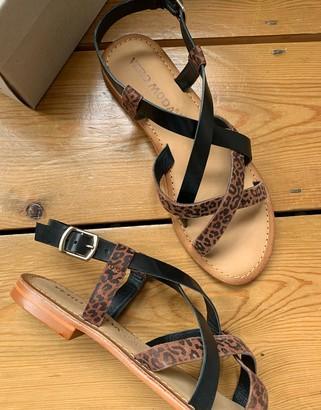 Vero Moda leather strappy sandals in print