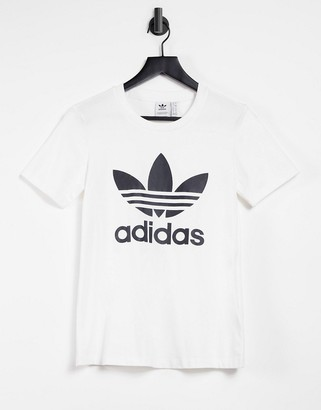 adidas Trefoil tshirt in white