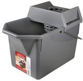 Rubbermaid 17-Liter Mop Bucket with Wringer