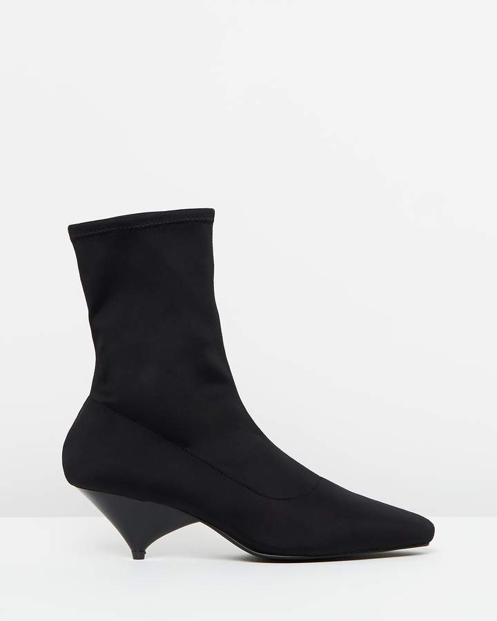 Atmos & Here ICONIC EXCLUSIVE - Kora Sock Ankle Boots