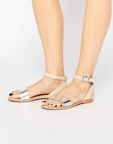 Vero Moda Metallic Leather Strap Sandal