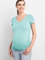 Gap Maternity Pure Body short-sleeve V-neck tee