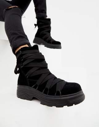 Asos Design DESIGN Adaptive chunky suede apres ski boots-Black
