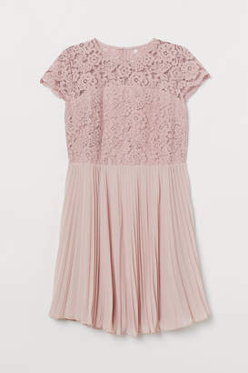 H&M H&M+ Pleated lace dress