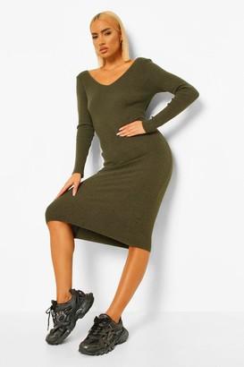 boohoo Petite Premium Rib V-Neck Knitted Dress