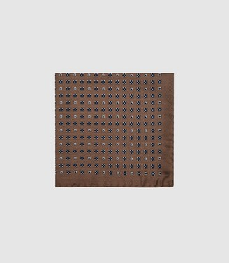 Reiss Palermo - Silk Medallion Pocket Square in Taupe