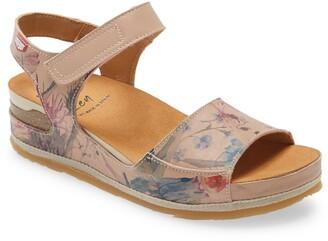 On Foot Wedge Sandal