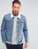 levi 39 s levis buckman type 3 trucker jeansjacke mit fellfutter. Black Bedroom Furniture Sets. Home Design Ideas