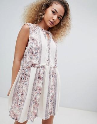 En Creme sleeveless paisley print dress with keyhole-Multi