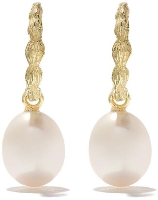 Wouters & Hendrix Gold 18kt yellow gold Organic Pearl hoops