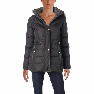 Larry Levine Women's Short Chevorn Quilted Puffer