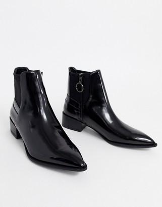 Bershka compact chelsea boot in black