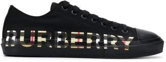 Burberry logo print low-top sneakers