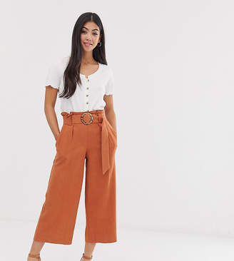 New Look Petite crop trousers with belt in rust-Red