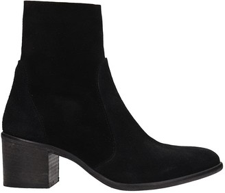 Julie Dee Low Heels Ankle Boots In Black Suede