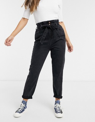 New Look paperbag tie waist jean in black