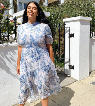 Hope & Ivy Plus exclusive midaxi dress with ruffle hem in blue print